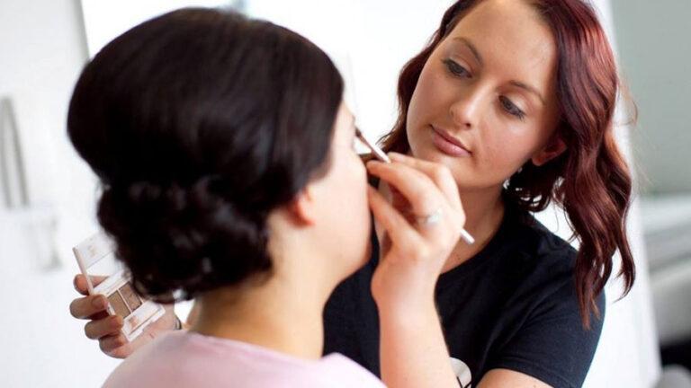 Makeup Artist Video Tutorial